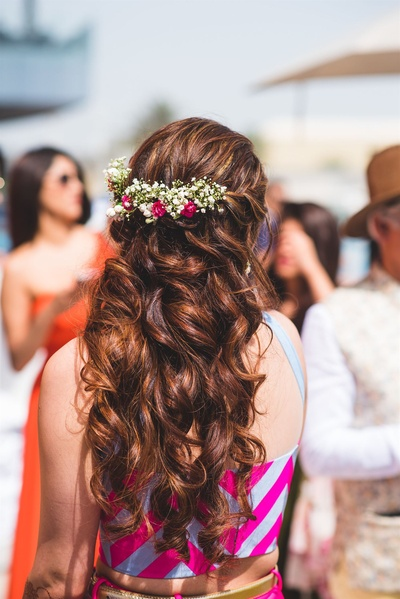 Contemporary hairstyle for brides