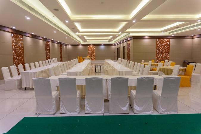 V Hotel Dwaraka Nagar Visakhapatnam - Banquet Hall