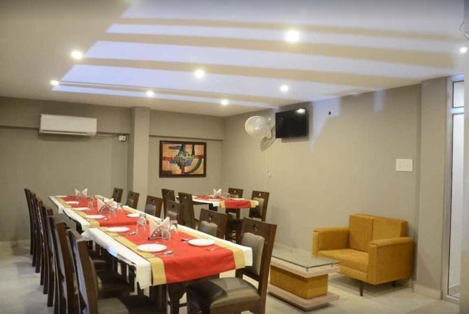 Hotel Yashpadam Continental Civil Lines Prayagraj - Banquet Hall