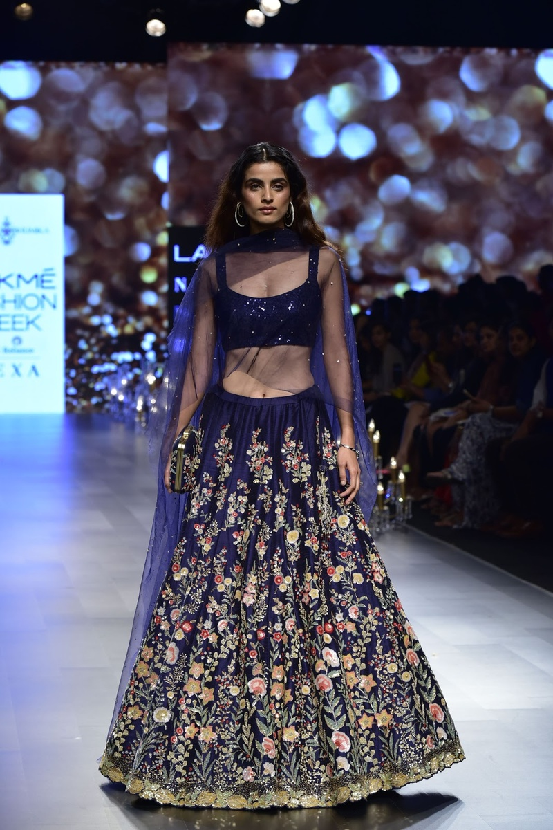 2. This navy blue lehenga with rich embroidery is perfect for any evening occasion!