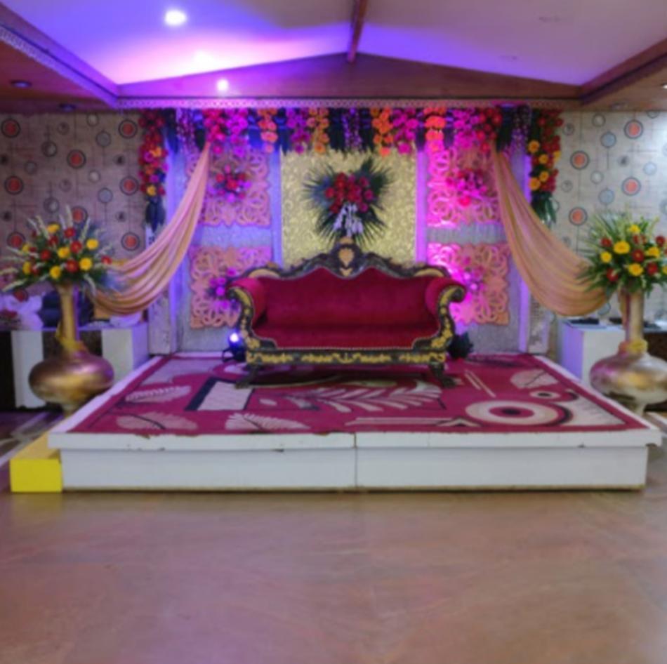 Garden Decor Delhi: D's Grand Banquet Rajouri Garden, Delhi