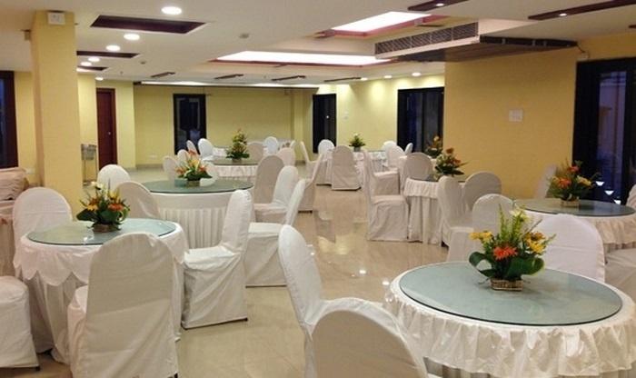 The Circle Club, VIP Road, Kolkata
