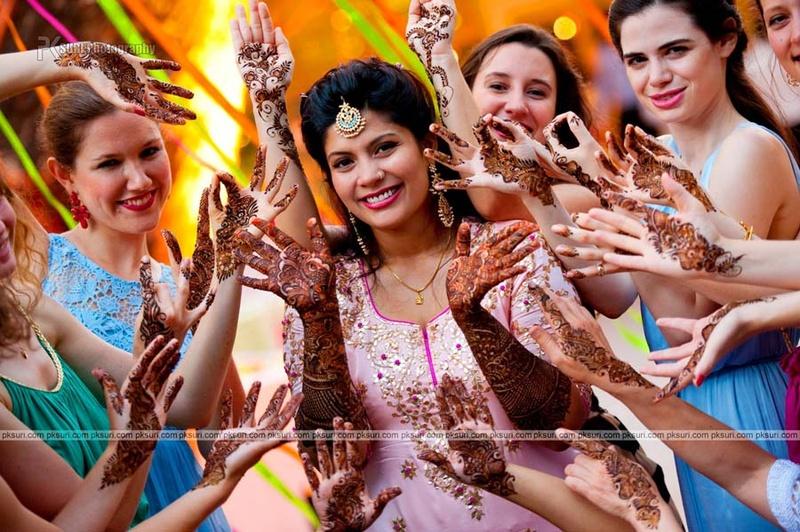 7 Fun Poses to Capture That Bridal Mehendi Design