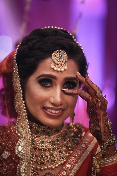 the emotional bride at her vidaai