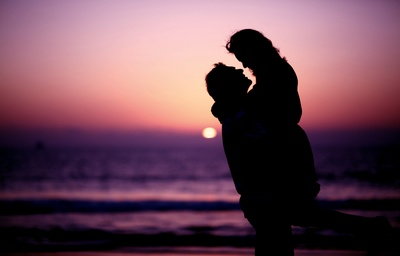 Silhouette against the sunset - Creative pre-wedding photography