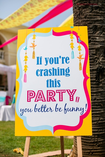 welcoming signage ideas for the pool party