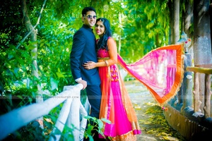 Pre Wedding Photo Shoot Ideas Captured By Lightarts Photography