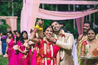 Beautiful and quirky South Indian Wedding held at Taj WEst End, Bangalore.