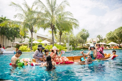 Pool party with family and friends at Hua Hin, Thailand