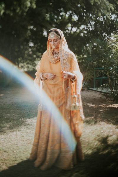 Doesn't this bride look like a billion bucks!