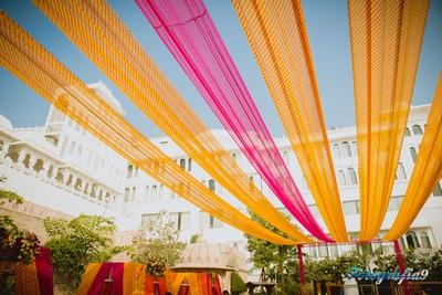 Jagmandir, Udaipur decked in leheriya and hot pink drapes for the Haldi