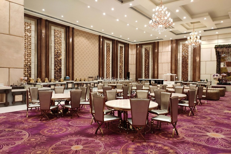 Best Marriage Halls in Noida to Plan your D-day with Family and Friends