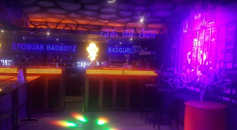Thug Lyf Lounge Malad West Mumbai - Cocktail Venues