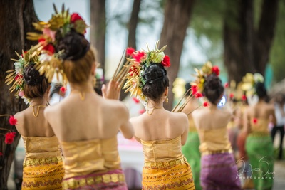 Thai artist performing for wedding guests