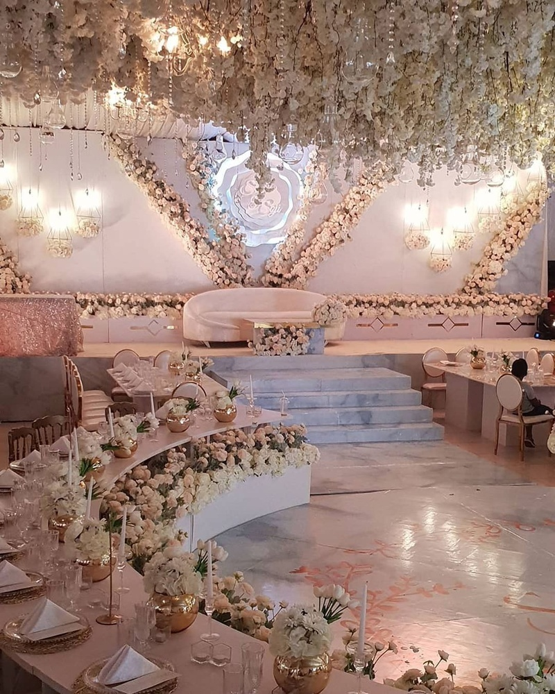 Simple Wedding Stage Decoration Ideas: Unique Wedding Stage Designs For 2019 Weddings