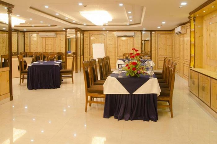 Hotel Radiant, Ballygunge, Kolkata