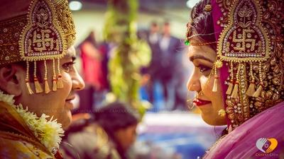 Traditonal head gear embedded with zari work for the wedding ceremonies