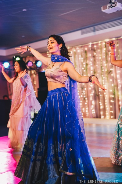 The bride is winning over hearts with her dance performance!