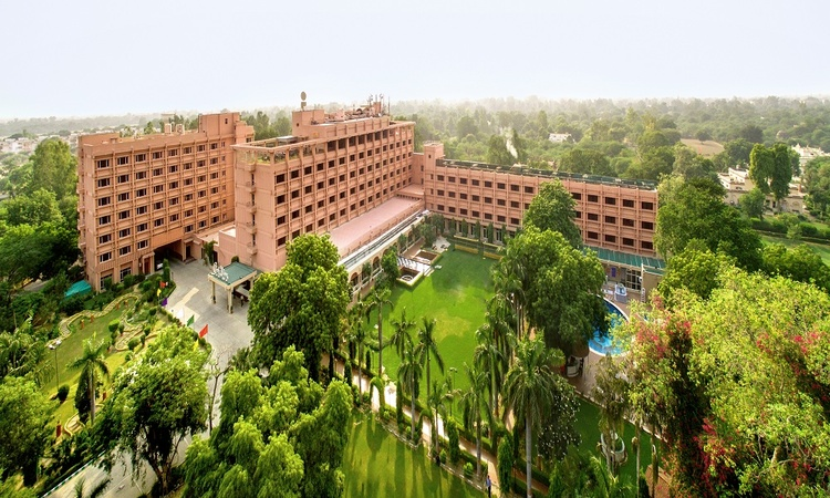 Hotel Clarks Shiraz Tajganj Agra - Banquet Hall