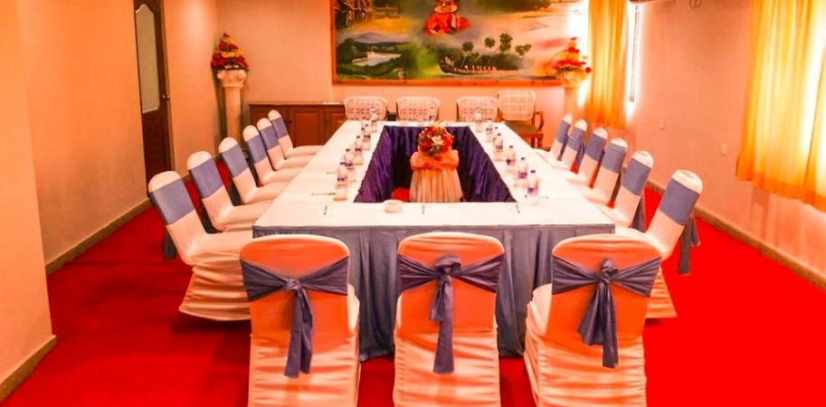 Hotel Excellency M G Road Kochi - Banquet Hall