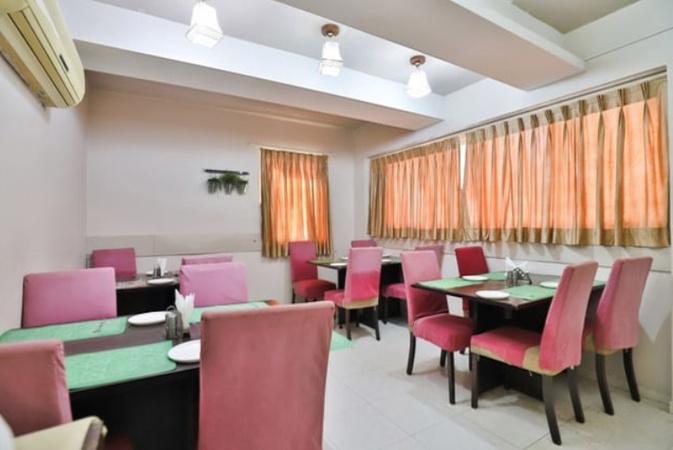 Hotel Isher International Kudasan Gandhinagar - Banquet Hall
