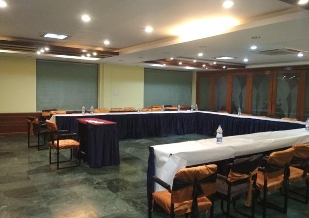 OYO 15791 Flagship Hotel Executive Hazratganj Lucknow - Banquet Hall