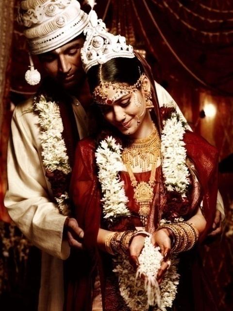 BENGALI WEDDING TOPOR & MUKUT
