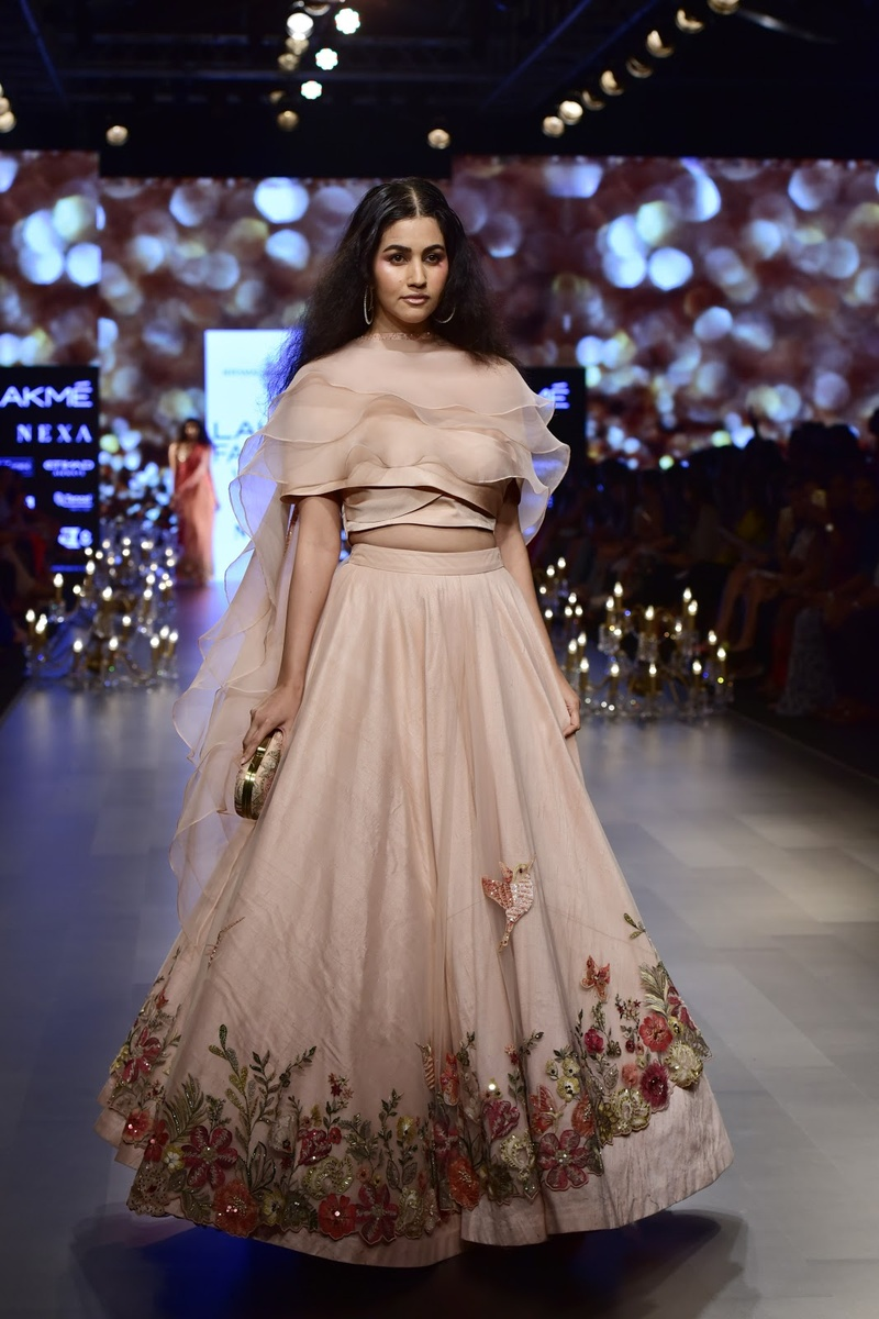 6. A dusty pink lehenga with floral border is all you need!