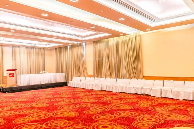 The Metropolitan Hotel Connaught Place Delhi - Banquet Hall