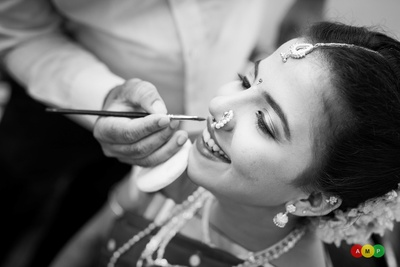 Slaying the bridal look with elegant make-up for an intimate nuptial ceremony