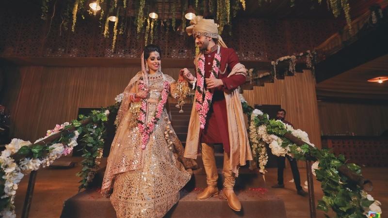 Vaibhav  & Gunika Delhi : Elegant wedding with a cute pupper held at Udman and Vilas, Delhi with an Abu Jani Bride!
