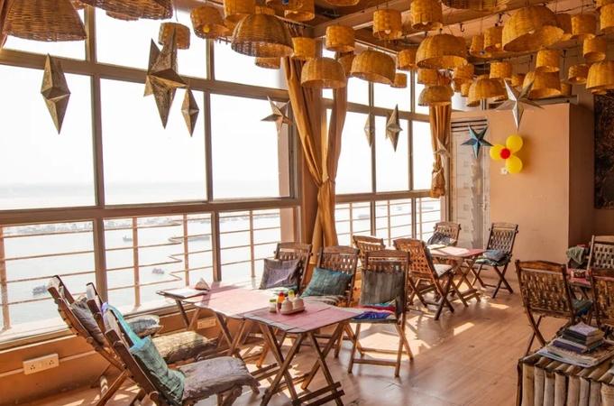 Shri Guest House Ghasi Tola Varanasi - Banquet Hall