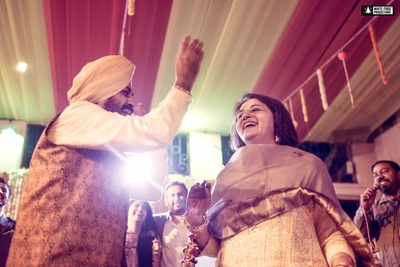 Older couples show the new ones how it's done ! Energetic sangeet ceremony at Sikh wedding