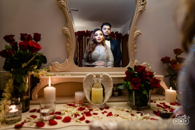 A stunning mirror click of the bride and groom!