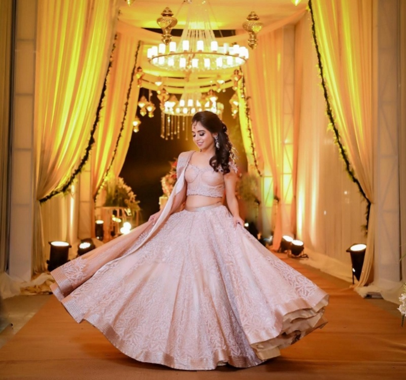 10 Real Brides And Their Gorgeous Pink Lehenga Twirls That Give Us Major Inspo! #BridalLehengas #TwirlingBrides