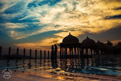 Sunset silhouette photography by ace photographer Mahima Bhatia.