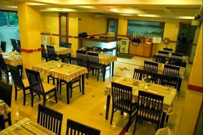 Brown's Restaurant Kaloor Kochi - Banquet Hall