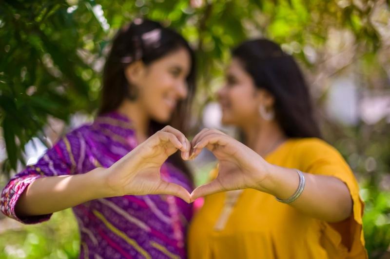 lesbian love heart