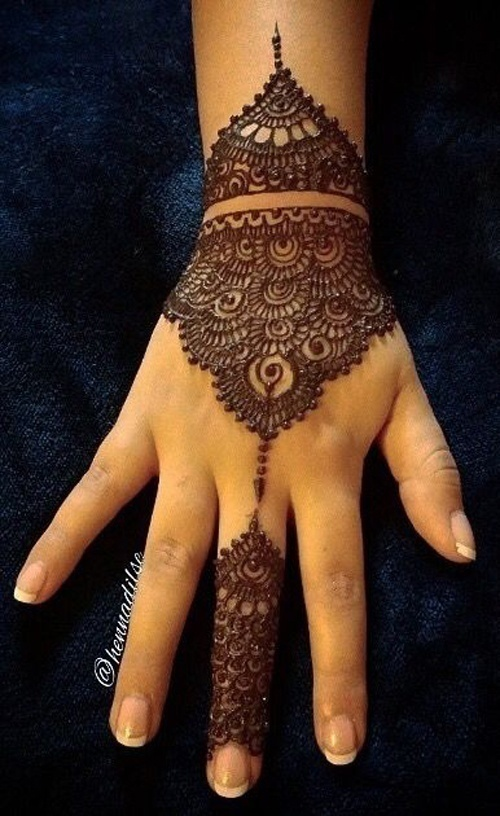 Unconventional Mehndi Designs for the Modern Bride