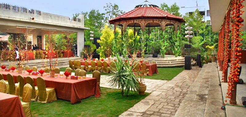 Majestic Wedding Lawns in Bangalore Ideal for Big Fat Indian Wedding Celebration!