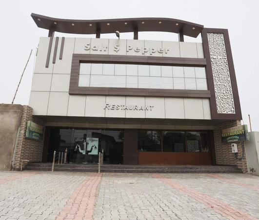 Salt and Pepper Restaurant and Banquet Trans Yamuna Colony Agra - Banquet Hall