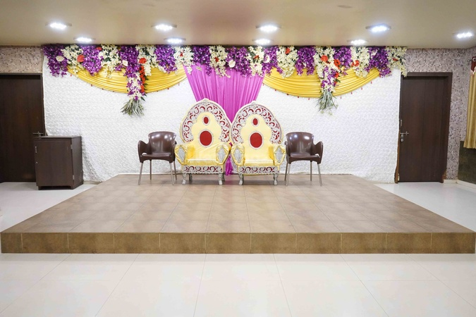 Chetna Dining Hall And Restaurant Karanpara Rajkot - Banquet Hall