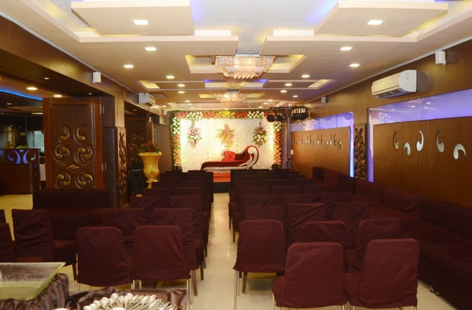 Season 9 Restaurant And Banquet Naranpura Ahmedabad - Banquet Hall
