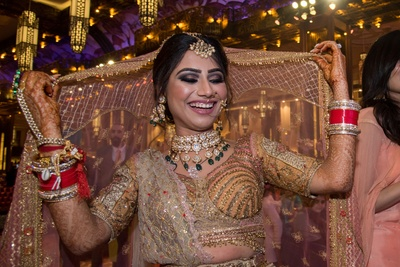 A stunning pose of the bride!