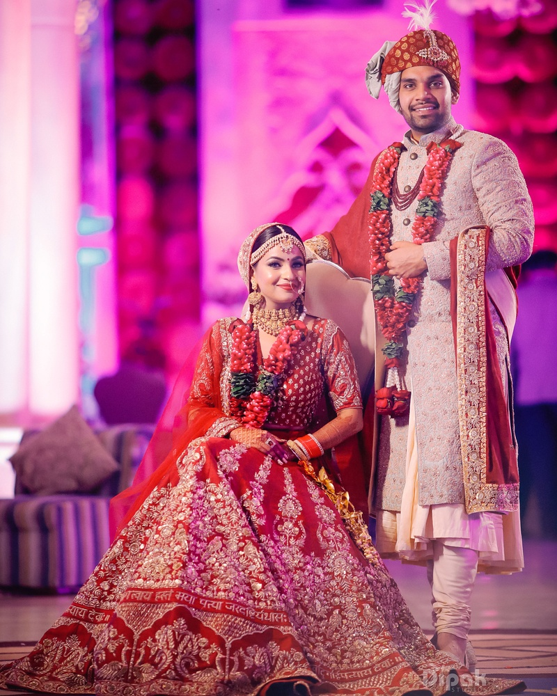 20 Bride And Groom Dress Colour Combination That You