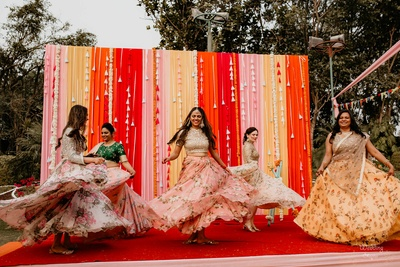 Pragya also did a special dance performance with her sisters.