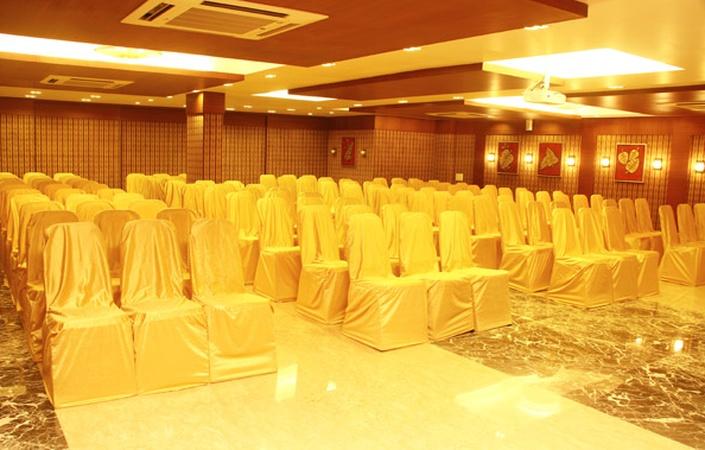 Jayson Metoda Kalavad Road Rajkot - Banquet Hall