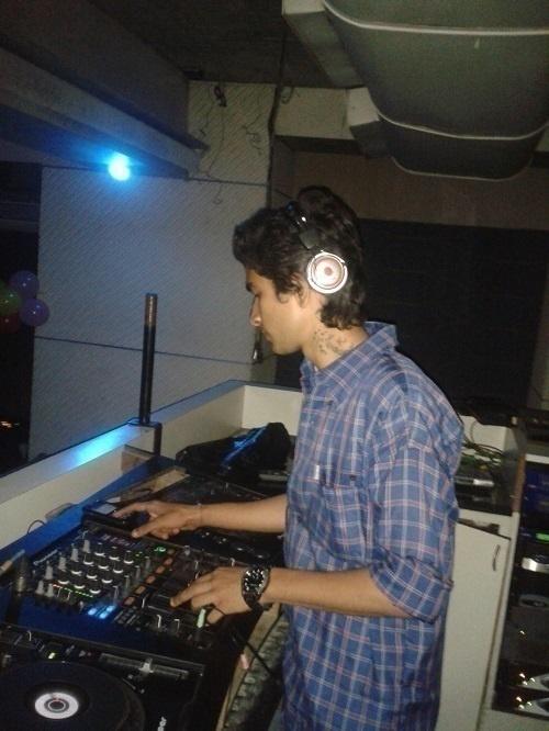 DJ Khush