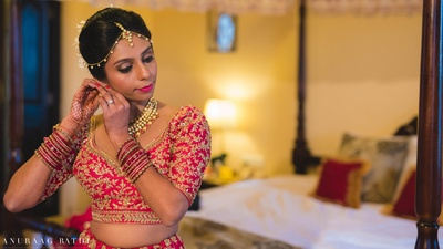 beautiful gujarati bride getting ready for her big day