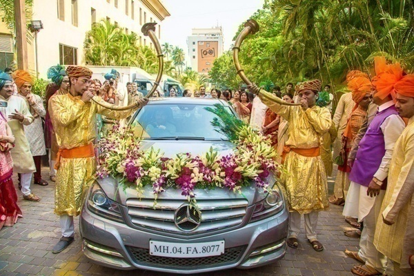 Indian wedding car decoration ideas that are fun and trendy blog bumper frame wedding car decorations junglespirit Gallery